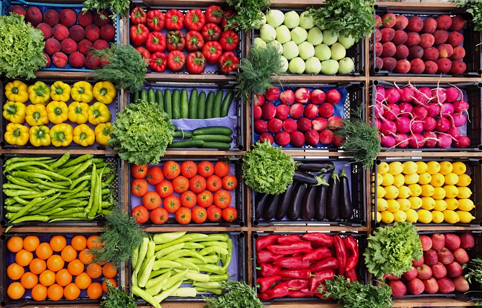 Merchandising fresh produce Shoppers seek more snack sized and local options 1 - Is Grocery Shopping Online Worth It?